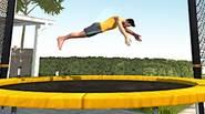 ¿Puedes dominar el arte de hacer volteretas? Salta en el trampolín, realiza varios trucos, trata de aterrizar de pie y haz tantos saltos en el aire como puedas. […]